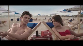 Peroni Brewery TV Spot, 'Beach Change' - Thumbnail 4