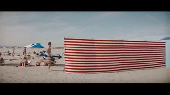 Peroni Brewery TV Spot, 'Beach Change' - Thumbnail 5