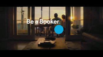 Booking.com TV Spot, 'L.A. Baby' - Thumbnail 9