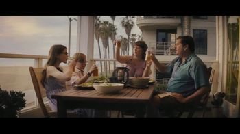Booking.com TV Spot, 'L.A. Baby' - Thumbnail 7