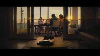 Booking.com TV Spot, 'L.A. Baby' - Thumbnail 8