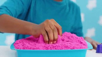 Kinetic Sand Sandbox Set TV Spot, 'How Do You Kinetic Sand?'