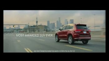2019 Jeep Grand Cherokee TV Spot, 'The Many, the Few' Song by SUR [T1] - Thumbnail 10