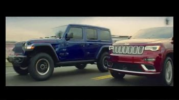 2019 Jeep Grand Cherokee TV Spot, 'The Many, the Few' Song by SUR [T1] - Thumbnail 8