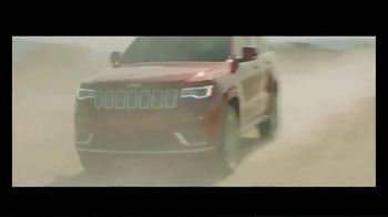 2019 Jeep Grand Cherokee TV Spot, 'The Many, the Few' Song by SUR [T1] - Thumbnail 9