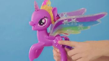 My Little Pony Rainbow Wings Twilight Sparkle TV Spot, 'Watch Her Glow' - Thumbnail 2