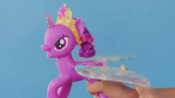 My Little Pony Rainbow Wings Twilight Sparkle TV Spot, 'Watch Her Glow' - Thumbnail 8