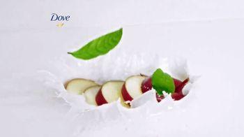 Dove Skin Care Go Fresh Apple & White Tea TV Spot, 'Unexpected Freshness' - Thumbnail 4