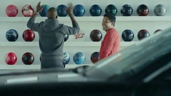 State Farm TV Spot, 'Deer' Featuring Chris Paul, Oscar Nuñez - Thumbnail 2