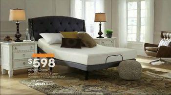 Ashley HomeStore New Year's Mattress Sale TV Spot, 'Ashley Chime Queen' - Thumbnail 3