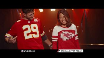 NFL Shop TV Spot, 'Chiefs and Seahawks Fans' - Thumbnail 4
