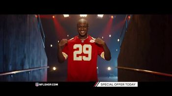NFL Shop TV Spot, 'Chiefs and Seahawks Fans' - Thumbnail 6
