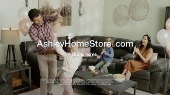 Ashley HomeStore New Year's Sale TV Spot, 'Shop 'Til the Ball Drops' - Thumbnail 10
