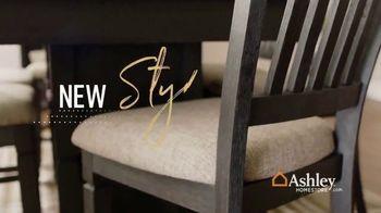 Ashley HomeStore New Year's Sale TV Spot, 'Shop 'Til the Ball Drops' - Thumbnail 7