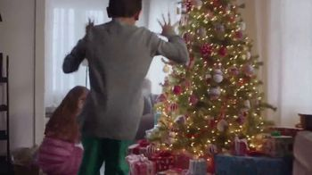 Big Lots TV Spot, '2018 Holidays: Stock Up on Joy!' - Thumbnail 6