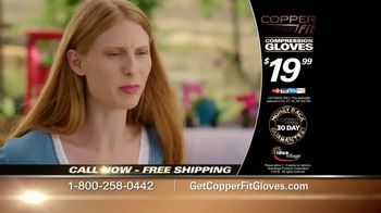 Copper Fit Compression Gloves TV Spot, 'Super Grip' - Thumbnail 9