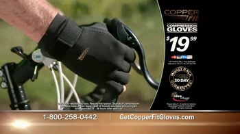 Copper Fit Compression Gloves TV Spot, 'Super Grip' - Thumbnail 8