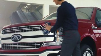 Ford Built for the Holidays Sales Event TV Spot, 'To-Do List' [T1] - Thumbnail 4