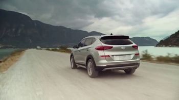 Hyundai TV Spot, 'Family of SUVs: Get Out There' Song by Lord Huron [T1] - Thumbnail 3