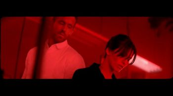 Giorgio Armani Code Absolu TV Spot, 'Darkroom' Feat. Ryan Reynolds, Song by The Dead Weather - Thumbnail 5
