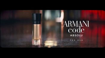 Giorgio Armani Code Absolu TV Spot, 'Darkroom' Feat. Ryan Reynolds, Song by The Dead Weather - Thumbnail 9