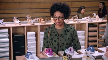 DSW TV Spot, 'Shop the Perfect Shoes' Featuring Mindy Kaling - Thumbnail 6