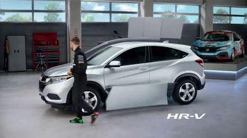 Honda Dream Garage Spring Event TV Spot, 'CR-V and HR-V' Featuring James Hinchcliffe [T1] - Thumbnail 8