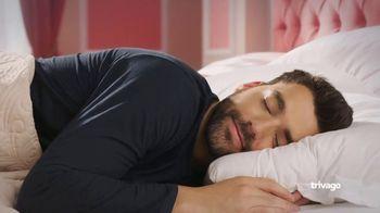 trivago TV Spot, 'El hotel más limpio' canción de Pyotr Ilyich Tchaikovsky [Spanish] - Thumbnail 7