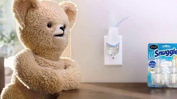 Renuzit Snuggle Air Fresheners TV Spot, 'Invitados' [Spanish] - Thumbnail 4