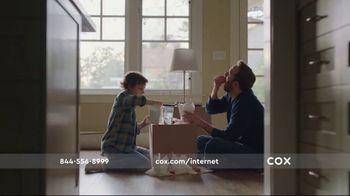 Cox Communications TV Spot, 'Fun at Dad's - Thumbnail 5