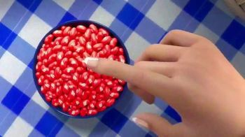 Jelly Belly Very Cherry TV Spot, 'Picnic' - Thumbnail 4
