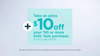 Kohl's Friends and Family Sale TV Spot, 'Savings Add Up: Tops and Comforters' - Thumbnail 7