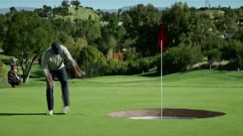 SKECHERS Slip-Ons TV Spot, 'Modo Romo' con Tony Romo [Spanish] - Thumbnail 5