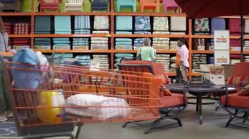The Home Depot Spring Black Friday TV Spot, 'Mulch and Patio Set' - Thumbnail 4