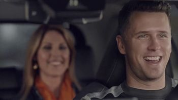 2019 Toyota RAV4 TV Spot, 'Pump Up Jams' Featuring Buster Posey [T1] - Thumbnail 4