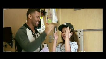 Wheels Up TV Spot, 'Up is Caring' Featuring Tom Brady, J.J. Watt, Russell Wilson - Thumbnail 5