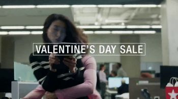Macy's Valentine's Day Sale TV Spot, 'Give the Wonder of Love' - Thumbnail 2
