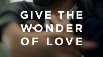 Macy's Valentine's Day Sale TV Spot, 'Give the Wonder of Love' - Thumbnail 3