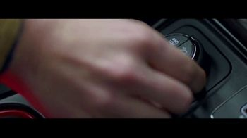 Jeep Presidents Day Sales Event TV Spot, 'Let It Fall' Song by Carrollton [T2] - Thumbnail 2