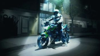 Kawasaki Z400 TV Spot, \'Spotlight\'