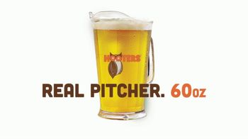 Hooters TV Spot, 'Tiny Pitcher: March' - Thumbnail 2
