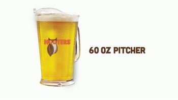 Hooters TV Spot, 'Tiny Pitcher: March' - Thumbnail 4
