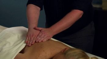 Hand and Stone Valentine's Day Spa Package TV Spot, 'Customer Testimonial: Kate' - Thumbnail 4