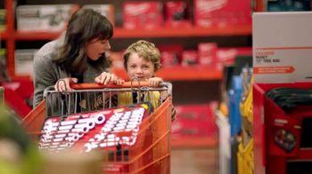 The Home Depot TV Spot, 'Planear sorpresas: paquetes de baterías' [Spanish] - Thumbnail 1