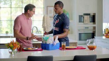 H-E-B Meal Simple TV Spot, 'Houston Texans' Featuring Deshaun Watson, Tyrann Mathieu - Thumbnail 7