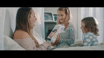 Fitbit TV Spot, 'GiftFit Holiday Anthem: Versa & Charge 3' Song by Sugarpie Desanto