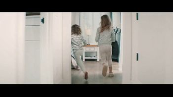 Fitbit TV Spot, 'GiftFit Holiday Anthem: Versa & Charge 3' Song by Sugarpie Desanto - Thumbnail 1