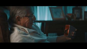 Fitbit TV Spot, 'GiftFit Holiday Anthem: Versa & Charge 3' Song by Sugarpie Desanto - Thumbnail 5
