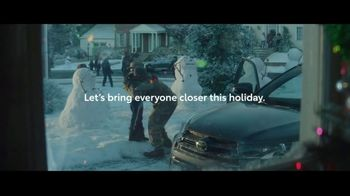 Toyota TV Spot, 'Home for the Holidays' Song by Sara Bareilles, Ingrid Michaelson [T2] - Thumbnail 9