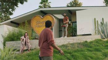 Sling TV Spot, 'Statue: Roku' Featuring Nick Offerman, Megan Mullally - Thumbnail 4